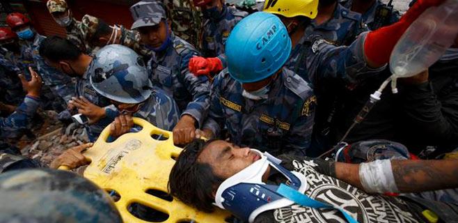 Rescatado un niño de 15 años 5 días después del terremoto