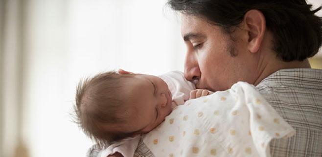 La Seguridad Social destina 1 millón de euros por paternidad en Balears