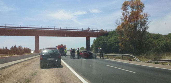 Espectacular accidente de un coche en la autopista de Inca en sentido Palma