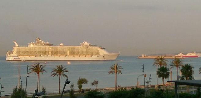 El Allure of the Seas dejará en Palma ocho millones de euros esta temporada
