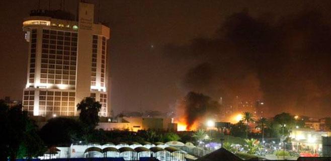 10 muertos por coches bomba en hoteles de lujo en Bagdad