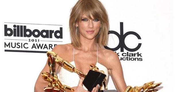 Taylor Swift y Enrique Iglesias triunfan en los Billboard