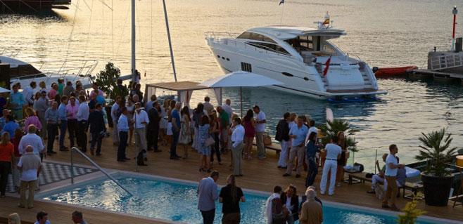 Cartel de lujo para Best of Yachting Port Adriano 2015