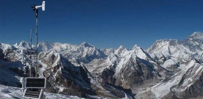 El Everest puede quedarse sin nieve perpetua en 2100