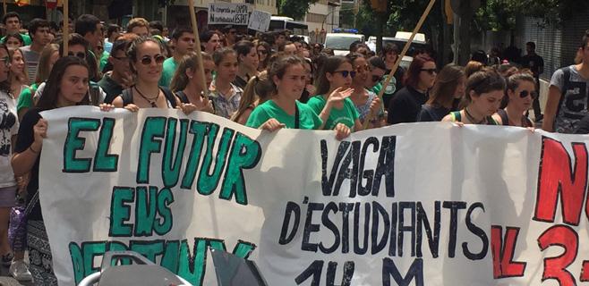 Los estudiantes se manifiestan en Palma en contra del decreto 3+2
