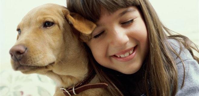 Los niños confían más en sus mascotas que en su familia