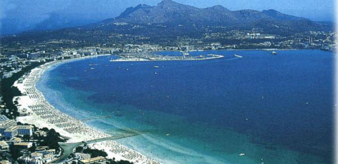 La costa de Alcúdia entra en el top 10 de playas familiares