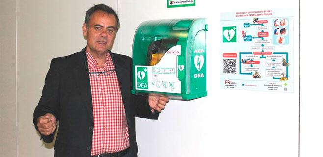 Serveis Ferroviaris de Mallorca pone un desfibrilador en la Estación Intermodal