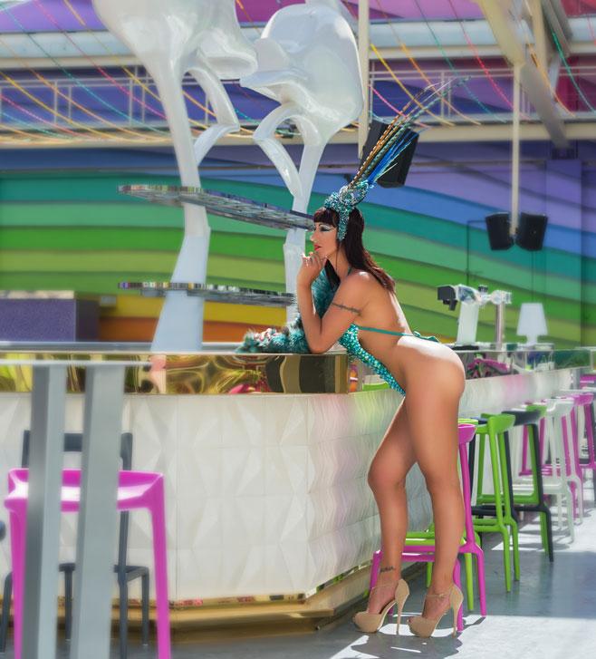 Megapark presenta el nuevo lounge LGTB, White Flamingo