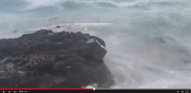 3 personas muertas al estrellarse un velero contra las rocas en Formentera