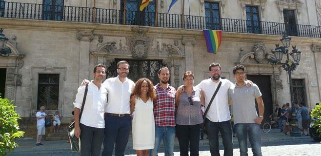 IPFB denuncia ante Delegación de Gobierno la bandera gay de Cort