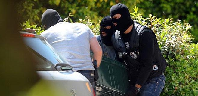 ETA escondía un arsenal de armas y explosivos en Biarritz