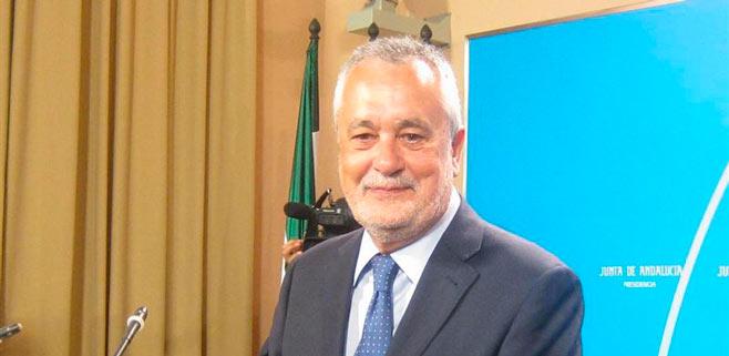 Griñán renuncia a su escaño como senador autonómico