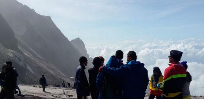 19 muertos en un terremoto en el monte malasio Kinabalu