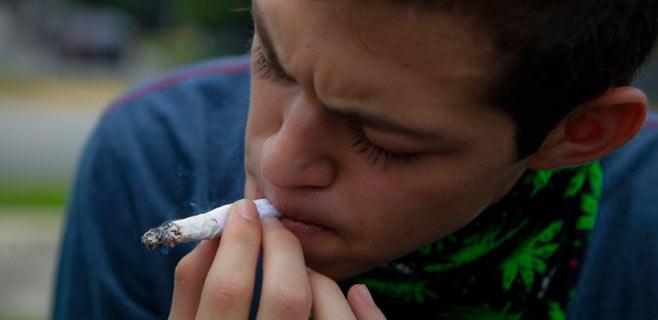 El cannabis a los 12 años es la principal iniciación de los baleares en las drogas