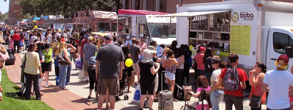 Port Adriano celebra con mucho éxito su primer Street Food Festival