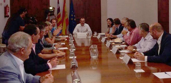 """Barceló dice que habrá ecotasa esta legislatura """"aunque aún no hay plazos"""""""