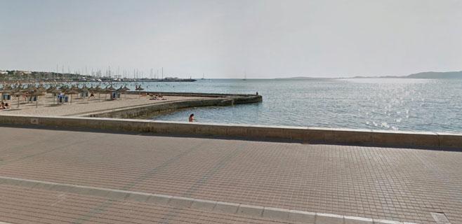 Un turista de 30 años se tira de cabeza en S'Arenal y queda tetrapléjico