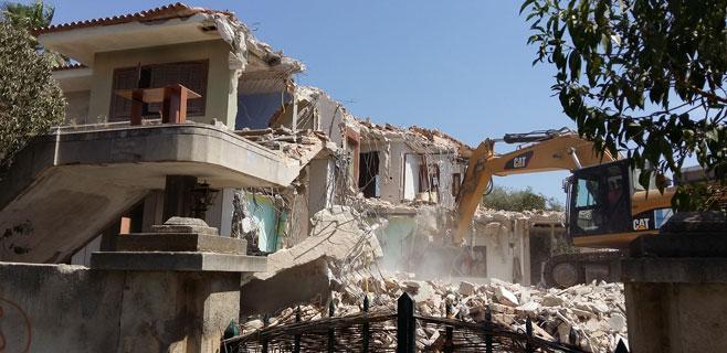 Comienza la demolición de la casa verda
