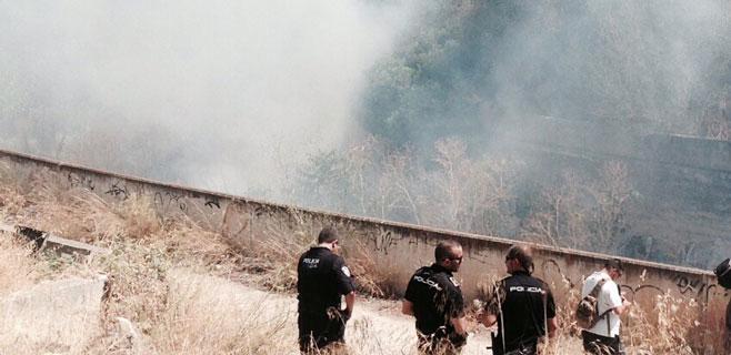 Arde un descampado en Can Valero