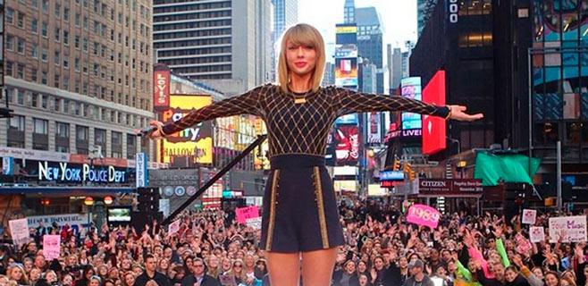 Taylor Swift se lanza al mercado asiático con su primera colección