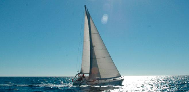 Cae de su velero y es rescatado en Porto Colom tras 5 horas de búsqueda