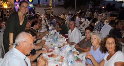 El 'sopar de pa amb oli' abre las fiestas de Santa Maria del Mar