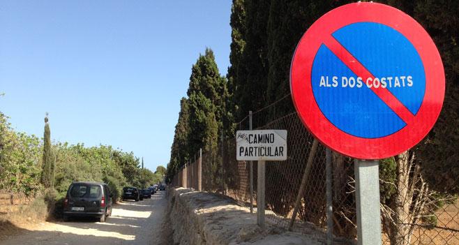 Manacor señaliza la prohibición de aparcar en el 'camí de Cala Varques'