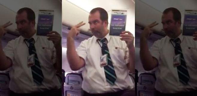 Furor en internet con la charla de un asistente de vuelo