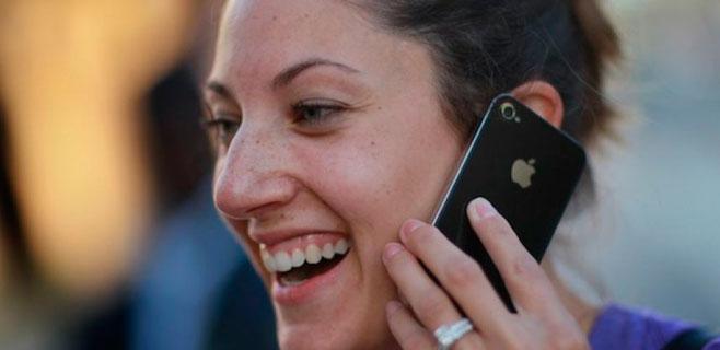 Los baleares hablan 90 minutos al mes por teléfono
