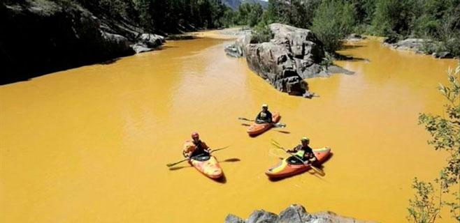 El Río Colorado se tiñe de amarillo