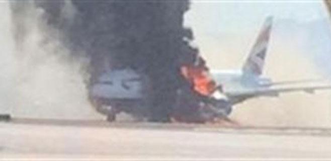 Trece heridos en un incendio en un avión en Las Vegas