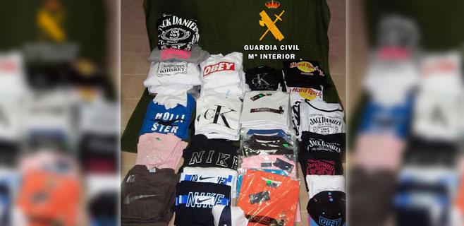 Incautadas más de 180 prendas falsificadas en un comercio de Sa Coma