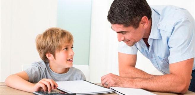 Ayudar a los hijos con las matemáticas puede ser perjudicial