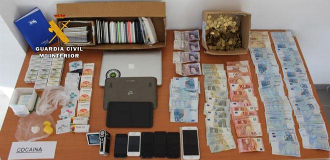 Detenido por vender droga y comprar móviles robados en Palmanova