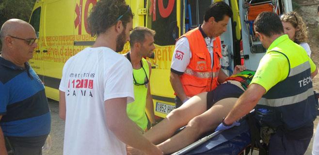 Una mujer resulta herida al precipitarse desde 25 metros en Cala Falcó