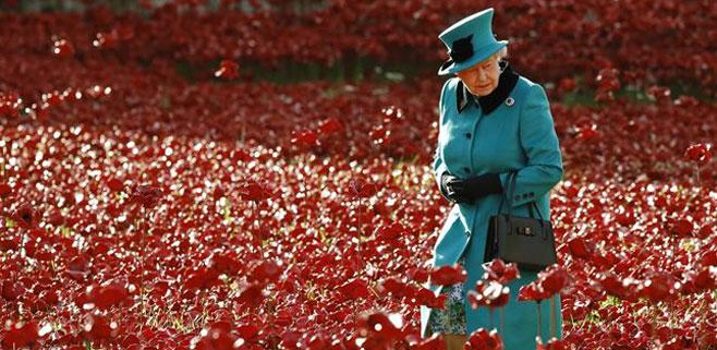 Isabel II cumple 63 años de reinado