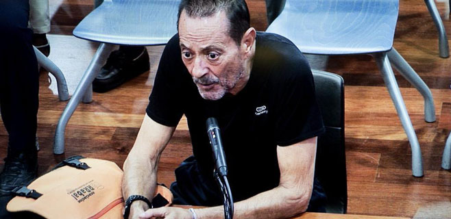 Julián Muñoz continúa hospitalizado