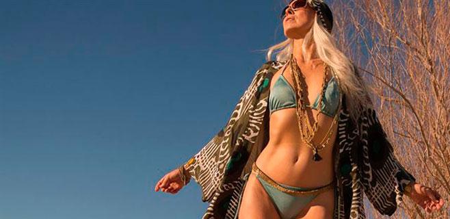 Se llama Yasmina Rossi y es la modelo de 59 años