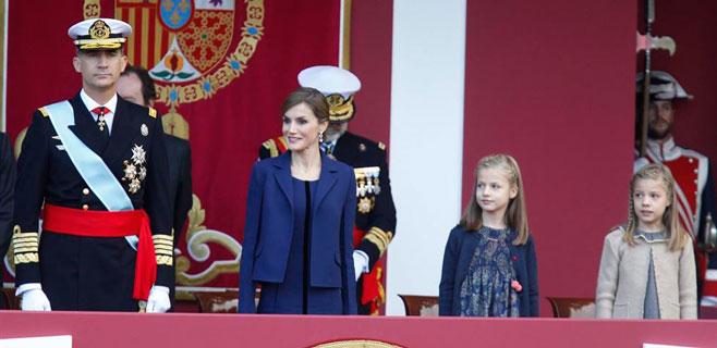 Letizia y Leonor apuestan por el 'azul Borbón' en el desfile