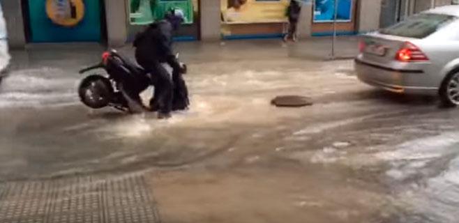 Las lluvias también dejan situaciones cómicas en Eivissa