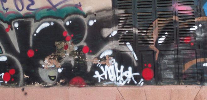 ARCA denuncia las pintadas de la fachada del Hostal Términus de Palma