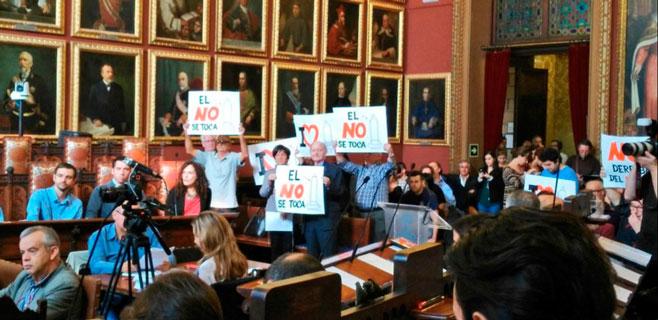Las protestas contra el derribo del monolito de sa Feixina llegan al pleno