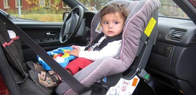Los ni os ya no pueden viajar en el asiento delantero for Asientos ninos coche