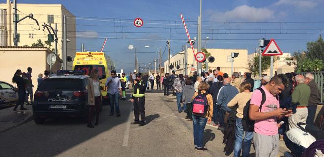 Muere el conductor de un coche arrollado por el tren en Verge de Lluc