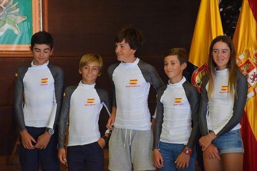 La bicampeona mundial, María Perelló, participa con España en el Mundial de Optimist