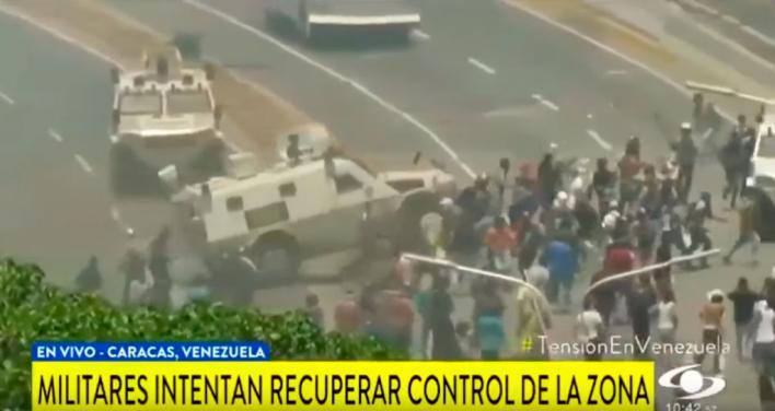 Venezuela: Tanquetas del ejército atropellan a opositores