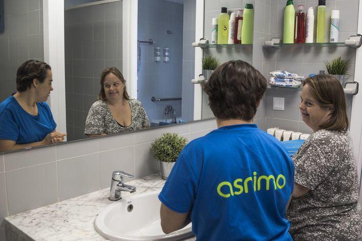 CaixaBank lanza un crowdfunding para ayudar a ASNIMO a adaptar sus viviendas supervisadas