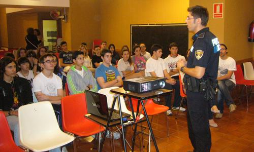 policia-tutor-inca-col2