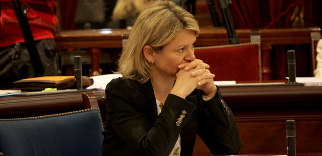 nuria-riera-al-parlament